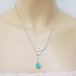 Leaf branch and mint glass lariat n..