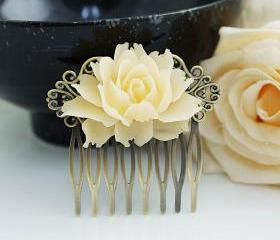 Wedding hair accesso..